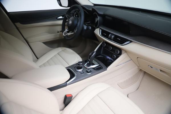 New 2021 Alfa Romeo Stelvio Ti Q4 for sale $54,755 at Bentley Greenwich in Greenwich CT 06830 19
