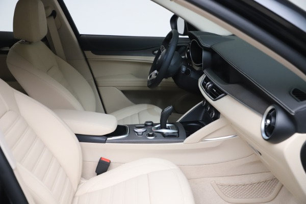 New 2021 Alfa Romeo Stelvio Ti Q4 for sale $54,755 at Bentley Greenwich in Greenwich CT 06830 20