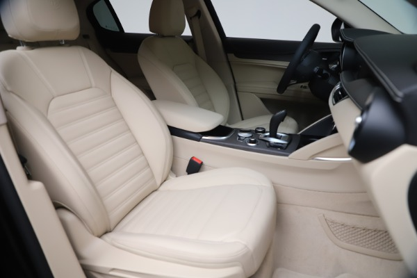 New 2021 Alfa Romeo Stelvio Ti Q4 for sale $54,755 at Bentley Greenwich in Greenwich CT 06830 21