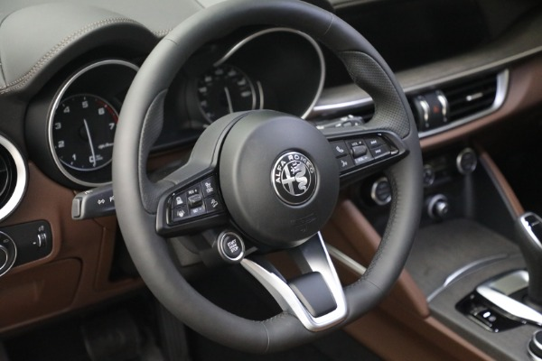 New 2021 Alfa Romeo Stelvio Ti Q4 for sale $54,840 at Bentley Greenwich in Greenwich CT 06830 17