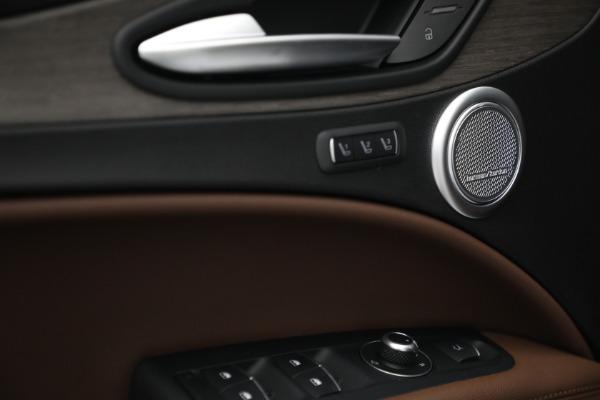 New 2021 Alfa Romeo Stelvio Ti Q4 for sale $54,840 at Bentley Greenwich in Greenwich CT 06830 20