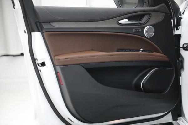 New 2021 Alfa Romeo Stelvio Ti Q4 for sale $54,840 at Bentley Greenwich in Greenwich CT 06830 21
