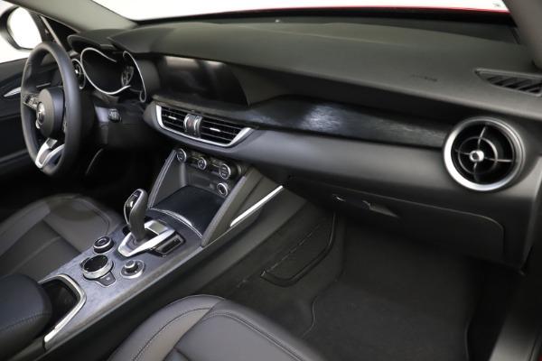 New 2021 Alfa Romeo Stelvio Q4 for sale $50,535 at Bentley Greenwich in Greenwich CT 06830 23