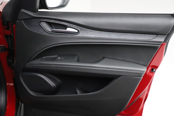 New 2021 Alfa Romeo Stelvio Q4 for sale $50,535 at Bentley Greenwich in Greenwich CT 06830 25