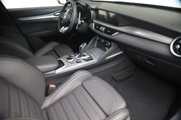 New 2021 Alfa Romeo Stelvio Ti Sport Q4 for sale $56,900 at Bentley Greenwich in Greenwich CT 06830 18