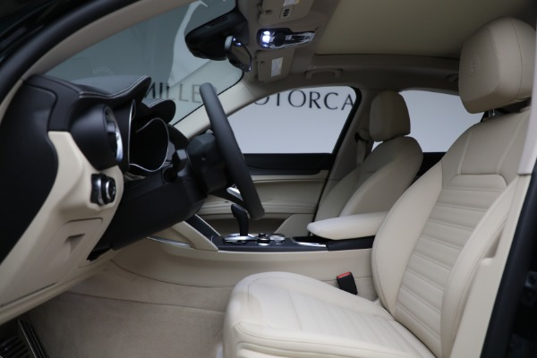 New 2021 Alfa Romeo Stelvio Ti Q4 for sale $55,205 at Bentley Greenwich in Greenwich CT 06830 14