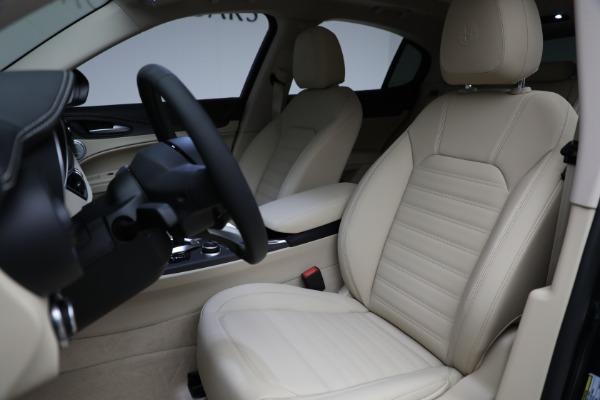 New 2021 Alfa Romeo Stelvio Ti Q4 for sale $55,205 at Bentley Greenwich in Greenwich CT 06830 15