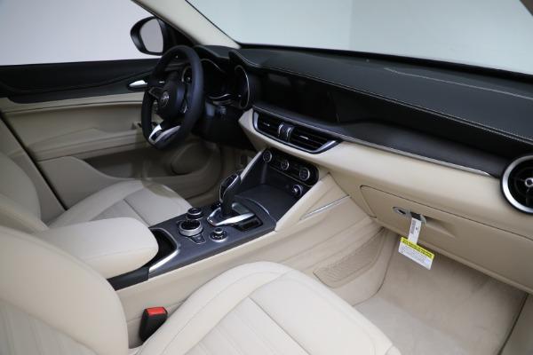 New 2021 Alfa Romeo Stelvio Ti Q4 for sale $55,205 at Bentley Greenwich in Greenwich CT 06830 27