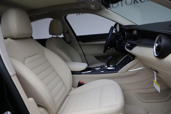 New 2021 Alfa Romeo Stelvio Ti Q4 for sale $55,205 at Bentley Greenwich in Greenwich CT 06830 28