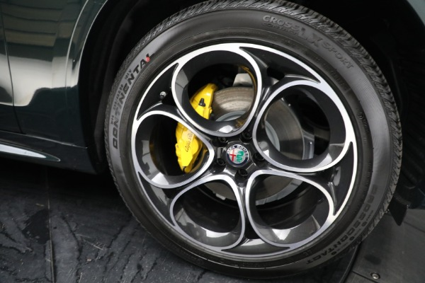 New 2021 Alfa Romeo Stelvio Ti Sport Q4 for sale Sold at Bentley Greenwich in Greenwich CT 06830 23