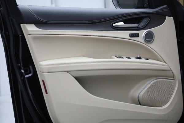 New 2021 Alfa Romeo Stelvio Ti Q4 for sale $57,400 at Bentley Greenwich in Greenwich CT 06830 13