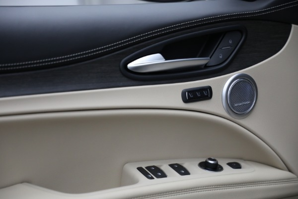 New 2021 Alfa Romeo Stelvio Ti Q4 for sale $57,400 at Bentley Greenwich in Greenwich CT 06830 14