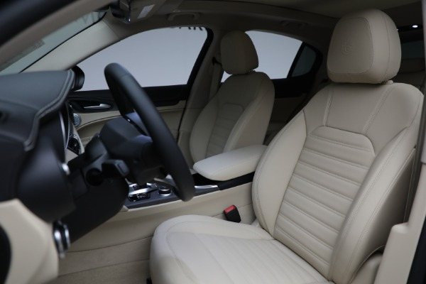 New 2021 Alfa Romeo Stelvio Ti Q4 for sale $57,400 at Bentley Greenwich in Greenwich CT 06830 17