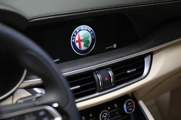 New 2021 Alfa Romeo Stelvio Ti Q4 for sale $57,400 at Bentley Greenwich in Greenwich CT 06830 21