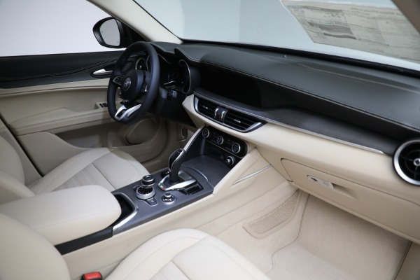 New 2021 Alfa Romeo Stelvio Ti Q4 for sale $57,400 at Bentley Greenwich in Greenwich CT 06830 28