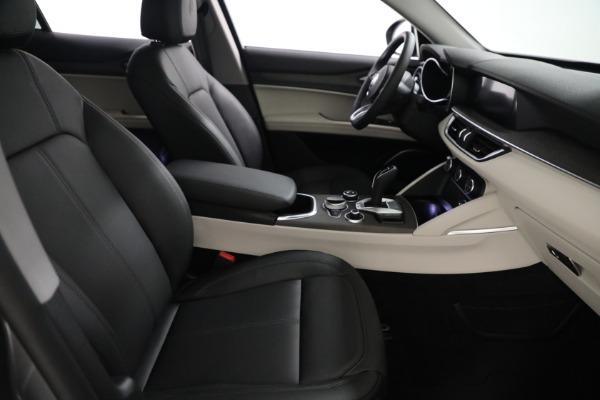 New 2021 Alfa Romeo Stelvio Ti Q4 for sale $54,400 at Bentley Greenwich in Greenwich CT 06830 21