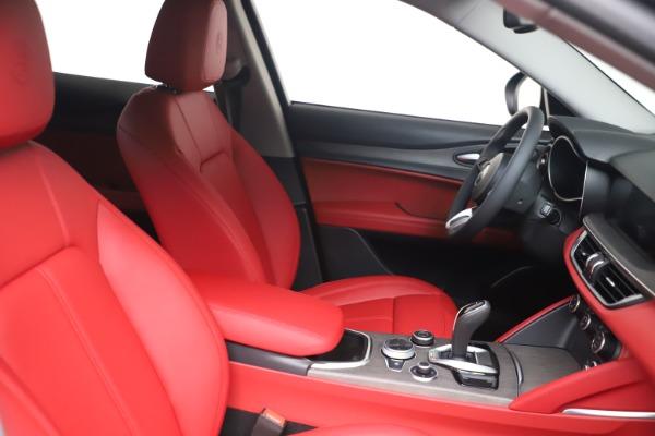 New 2021 Alfa Romeo Stelvio Ti Q4 for sale $54,400 at Bentley Greenwich in Greenwich CT 06830 16