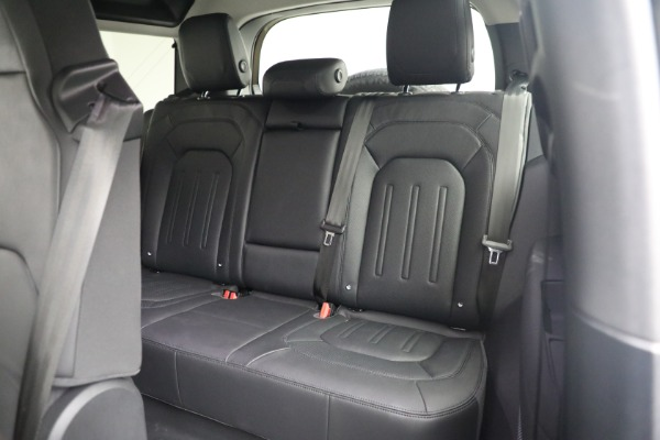 Used 2021 Land Rover Defender 90 First Edition for sale $69,900 at Bentley Greenwich in Greenwich CT 06830 19