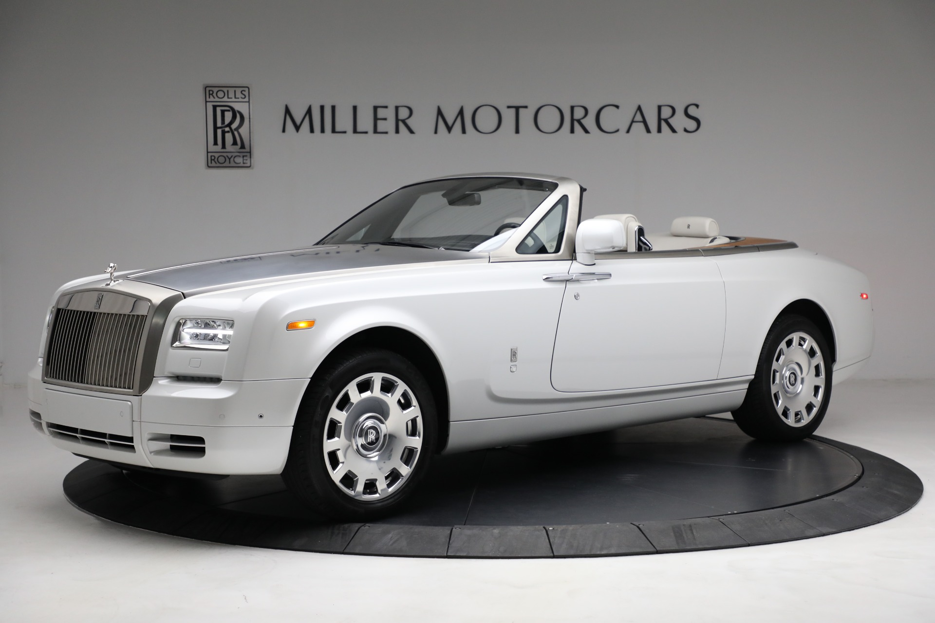 Used 2017 Rolls-Royce Phantom Drophead Coupe for sale Call for price at Bentley Greenwich in Greenwich CT 06830 1
