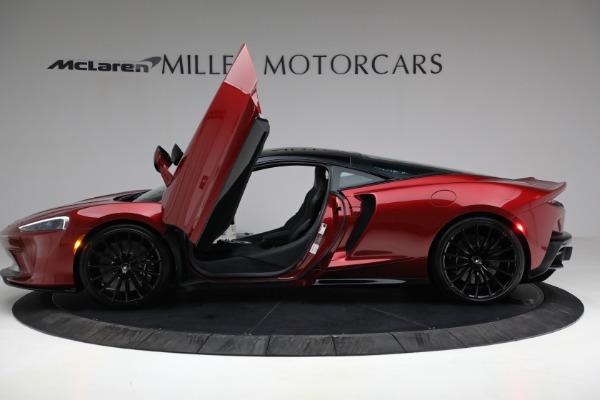 New 2021 McLaren GT for sale $217,275 at Bentley Greenwich in Greenwich CT 06830 14