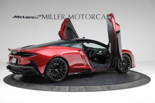 New 2021 McLaren GT for sale $217,275 at Bentley Greenwich in Greenwich CT 06830 17