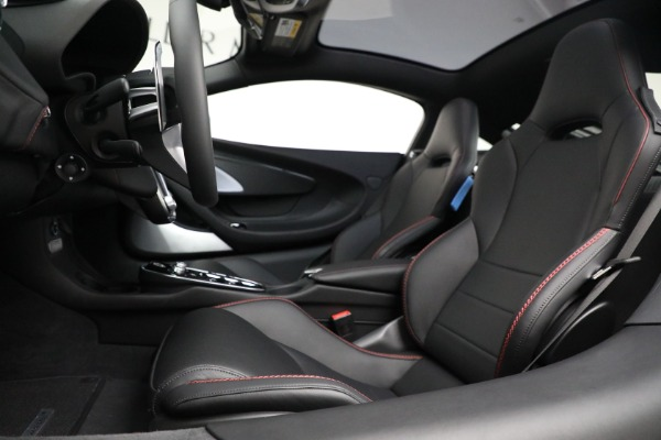 New 2021 McLaren GT Luxe for sale $217,275 at Bentley Greenwich in Greenwich CT 06830 20