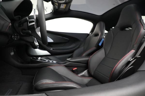 New 2021 McLaren GT for sale $217,275 at Bentley Greenwich in Greenwich CT 06830 20