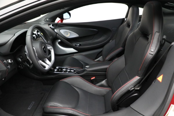 New 2021 McLaren GT Luxe for sale $217,275 at Bentley Greenwich in Greenwich CT 06830 21