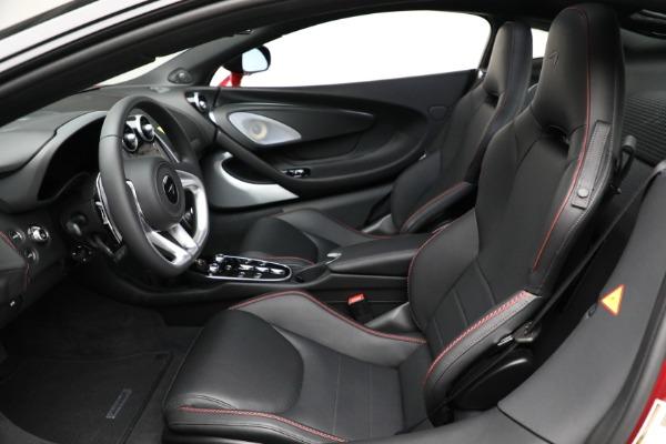 New 2021 McLaren GT for sale $217,275 at Bentley Greenwich in Greenwich CT 06830 21