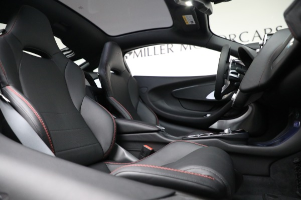 New 2021 McLaren GT Luxe for sale $217,275 at Bentley Greenwich in Greenwich CT 06830 23