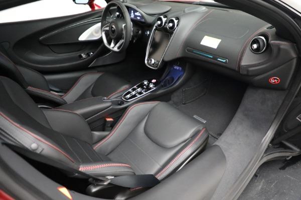 New 2021 McLaren GT for sale $217,275 at Bentley Greenwich in Greenwich CT 06830 25