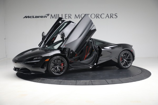 New 2021 McLaren 720S Performance for sale $344,500 at Bentley Greenwich in Greenwich CT 06830 17