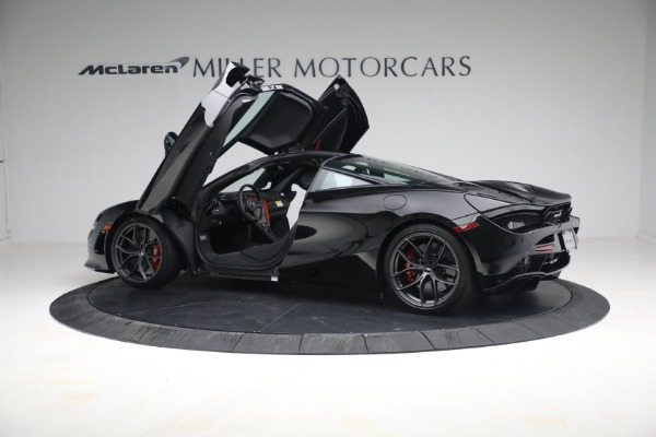 New 2021 McLaren 720S Performance for sale $344,500 at Bentley Greenwich in Greenwich CT 06830 19