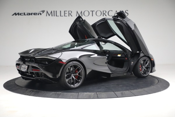 New 2021 McLaren 720S Performance for sale $344,500 at Bentley Greenwich in Greenwich CT 06830 23
