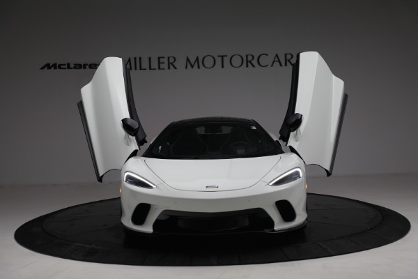 New 2021 McLaren GT Luxe for sale $217,205 at Bentley Greenwich in Greenwich CT 06830 13