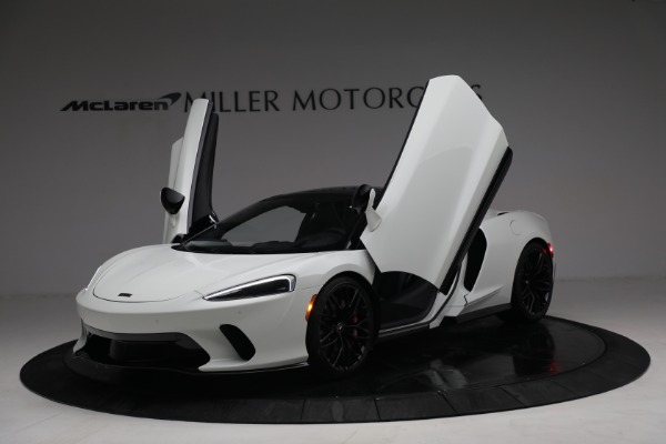 New 2021 McLaren GT Luxe for sale $217,205 at Bentley Greenwich in Greenwich CT 06830 14