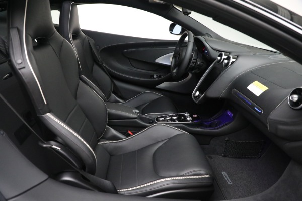 New 2021 McLaren GT Luxe for sale $217,205 at Bentley Greenwich in Greenwich CT 06830 22