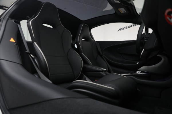 New 2021 McLaren GT Luxe for sale $217,205 at Bentley Greenwich in Greenwich CT 06830 23