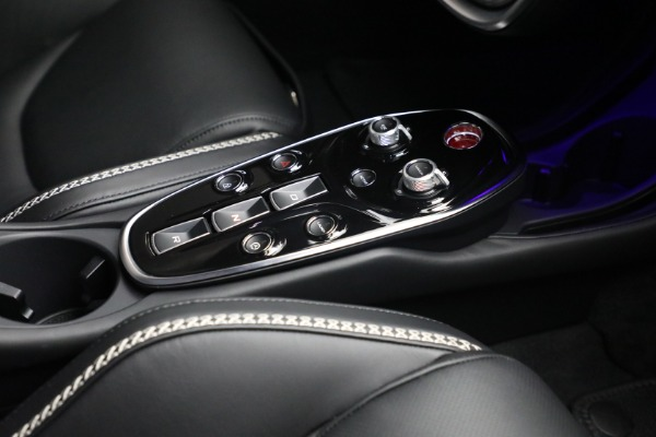 New 2021 McLaren GT Luxe for sale $217,205 at Bentley Greenwich in Greenwich CT 06830 25