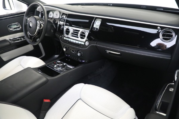 Used 2017 Rolls-Royce Ghost for sale $219,900 at Bentley Greenwich in Greenwich CT 06830 12