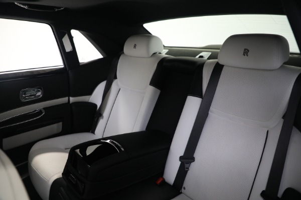 Used 2017 Rolls-Royce Ghost for sale $219,900 at Bentley Greenwich in Greenwich CT 06830 15