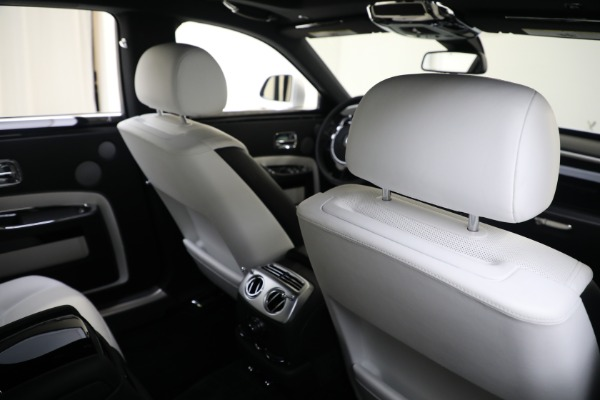 Used 2017 Rolls-Royce Ghost for sale $219,900 at Bentley Greenwich in Greenwich CT 06830 18