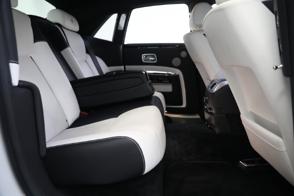 Used 2017 Rolls-Royce Ghost for sale $219,900 at Bentley Greenwich in Greenwich CT 06830 24