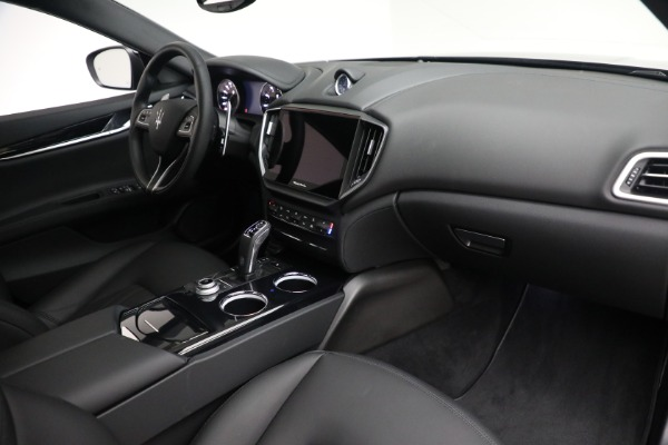 New 2021 Maserati Ghibli SQ4 for sale $92,894 at Bentley Greenwich in Greenwich CT 06830 25