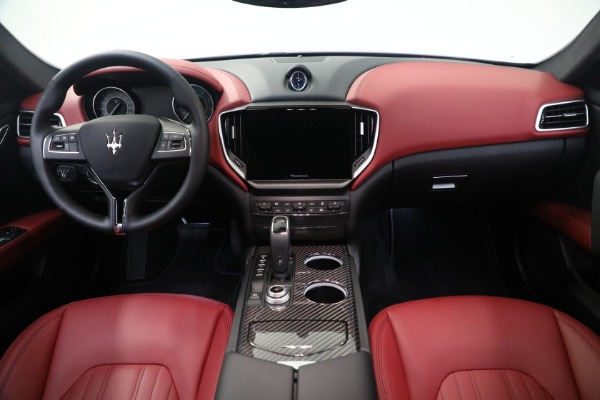 New 2021 Maserati Ghibli SQ4 GranLusso for sale Sold at Bentley Greenwich in Greenwich CT 06830 16