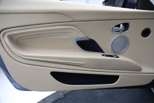 Used 2018 Aston Martin DB11 V12 for sale $164,990 at Bentley Greenwich in Greenwich CT 06830 18