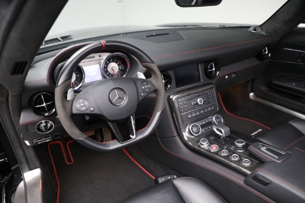 Used 2014 Mercedes-Benz SLS AMG GT for sale $169,900 at Bentley Greenwich in Greenwich CT 06830 17