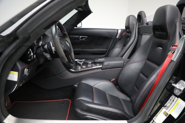 Used 2014 Mercedes-Benz SLS AMG GT for sale $169,900 at Bentley Greenwich in Greenwich CT 06830 18