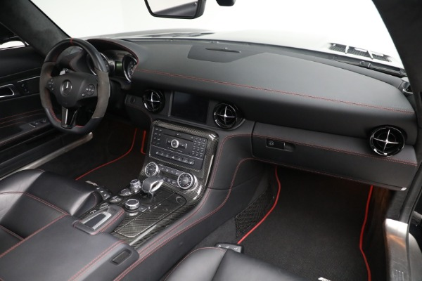 Used 2014 Mercedes-Benz SLS AMG GT for sale $169,900 at Bentley Greenwich in Greenwich CT 06830 20