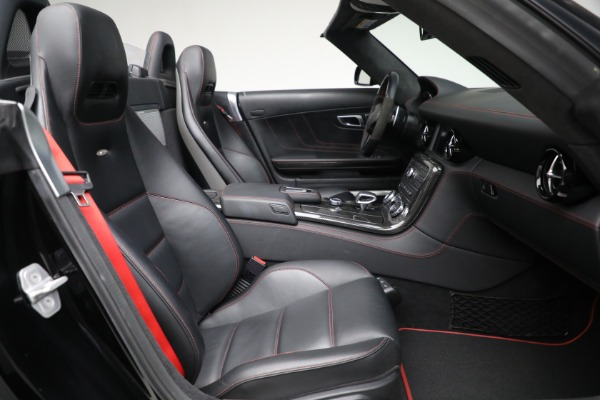Used 2014 Mercedes-Benz SLS AMG GT for sale $169,900 at Bentley Greenwich in Greenwich CT 06830 21